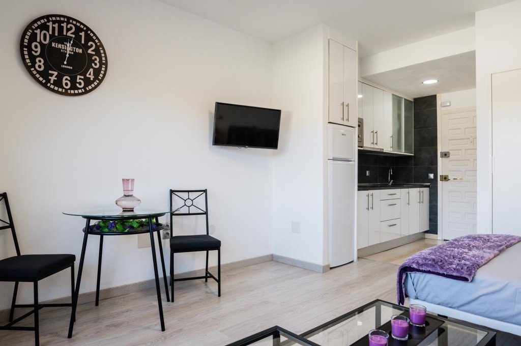 APARTAMENTO BENALBEACH PLAYA (2) - copia