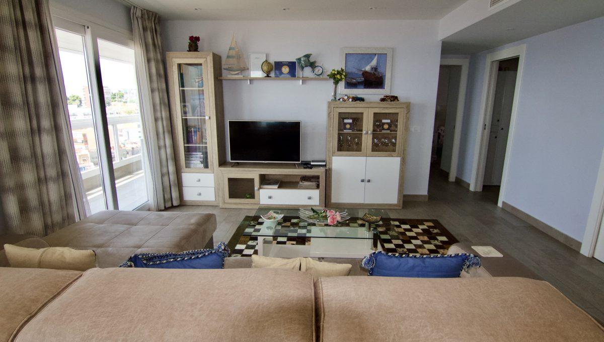Exclusivo apartamento junto a Puerto Marina