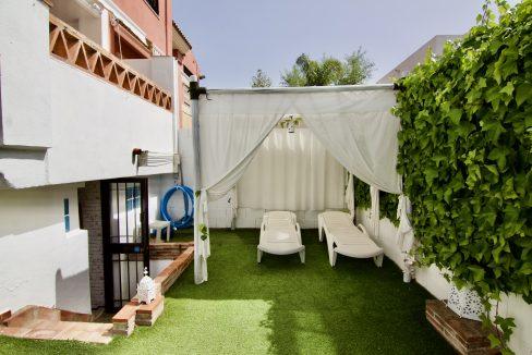 Casa pareada con piscina