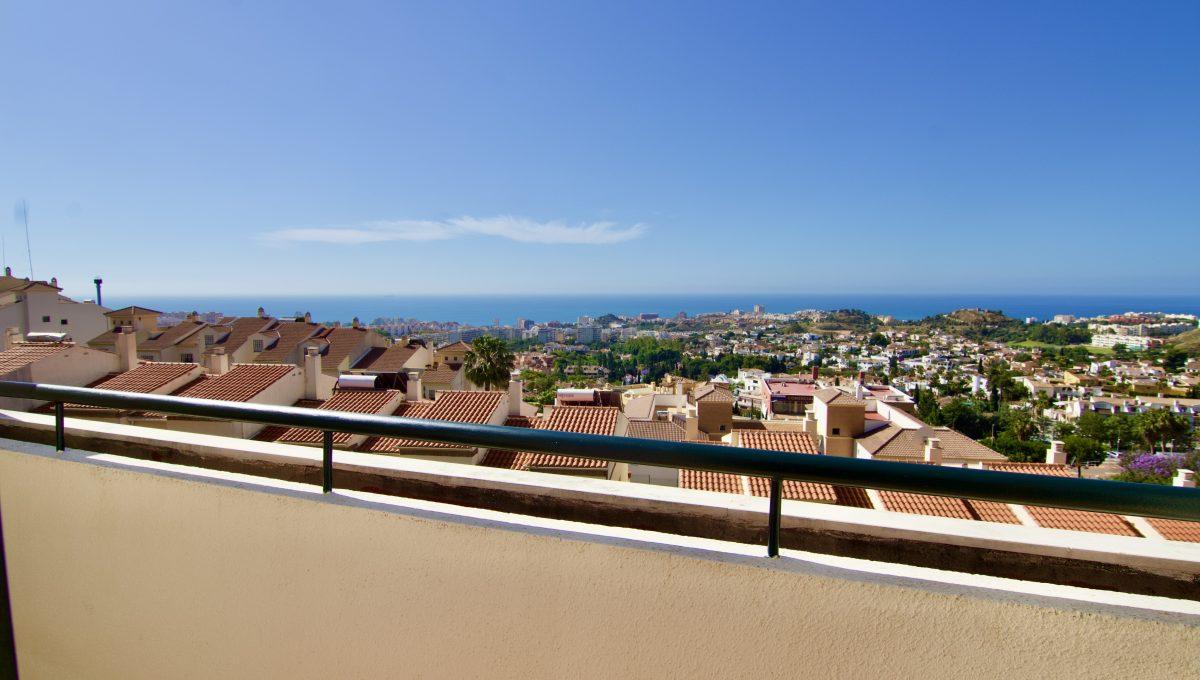 pareado con vistas al mar